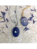 naszyjnik srebrny i pozłacany z kamieniem lapis lazuli i ozdobną rozetką Srebrny naszyjnik z lapis lazuli