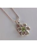 """Wisiorek """"kwiatek"""" z oliwinem na łańcuszku Srebrny naszyjnik z oliwinem """"kwiatek"""""""
