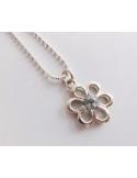 """Wisiorek """"kwiatek"""" z błękitnym topazem na łańcuszku Srebrny naszyjnik z błękitnym topazem """"kwiatek"""""""